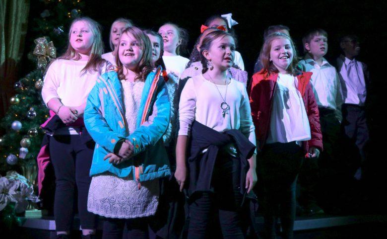 Hillandale students singing at Flat Rock Playhouse.