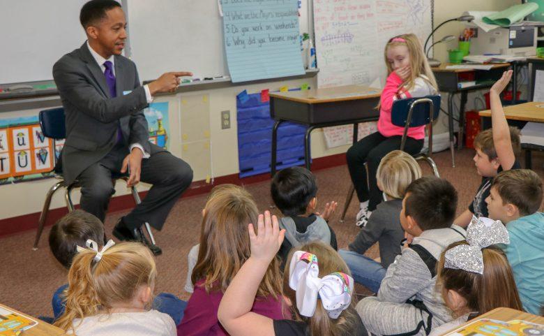 Mayor Rod Whiteside in a classroom